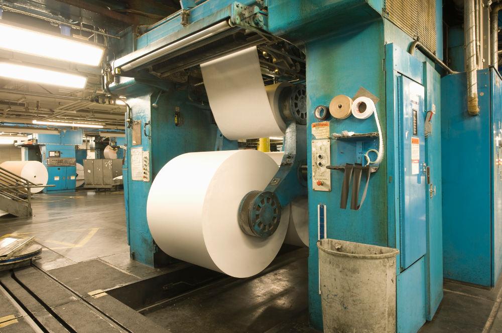 bobina gigante de papel