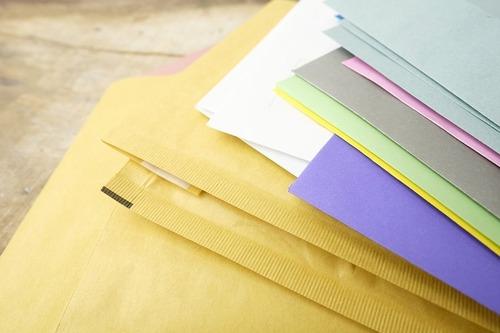Bolsas postales de papel